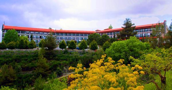 Горная громада, кипрский отель Rodon вновь откроет свои двери