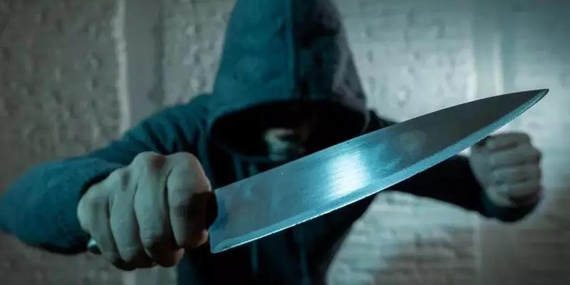 В Лимассоле неизвестный с кухонным ножом ограбил периптеро