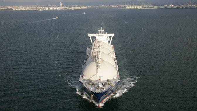 Кипрский танкер-газовоз протаранил причал на Сахалине