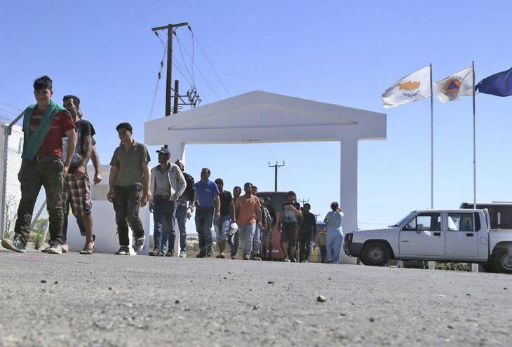 В Республику Кипр пришли еще 12 беженцев