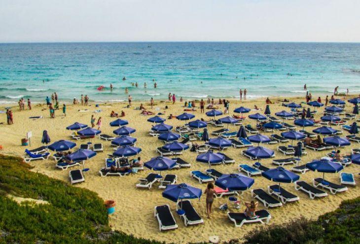 Кипр ждет горячий уик-энд: +37 в Никосии, +32 в Лимассоле