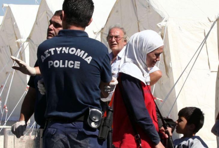 На Кипр приплыла новая партия беженцев