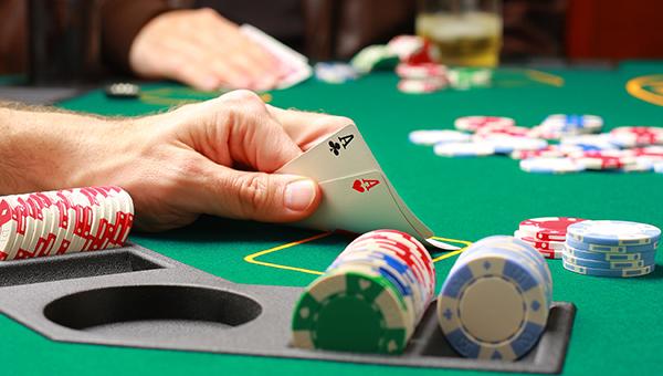 Парламент и Правительство Кипра не могут уладить споры вокруг закона о казино
