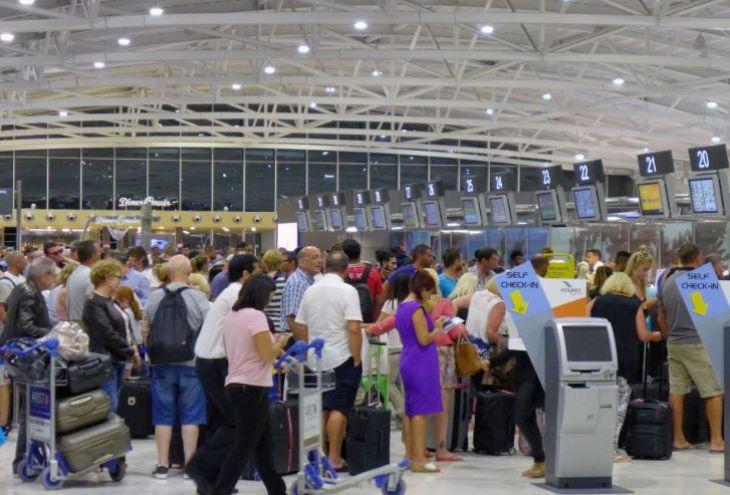 За год через аэропорты Республики Кипр прошли более 10 млн. пассажиров