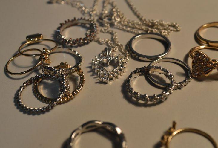 Из ювелирного бутика в Пафосе украдены 50 колец