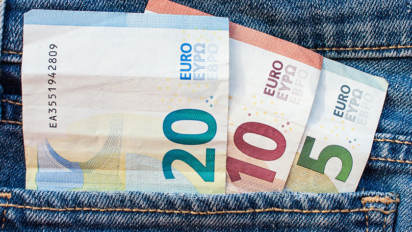 На Кипре пересмотрят минимальную зарплату | CypLIVE