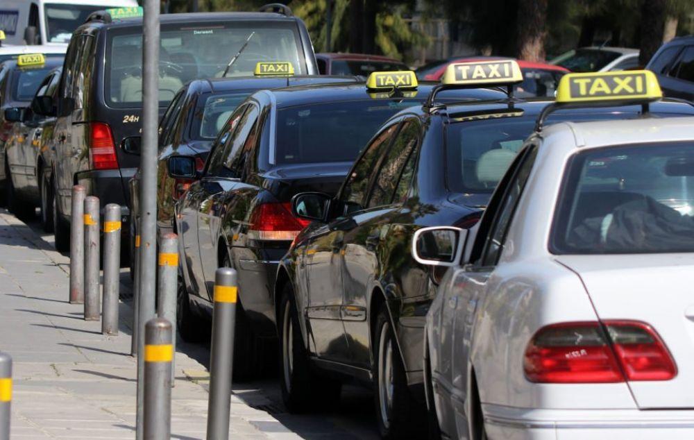 Кипр введет жесткие тарифы на такси из аэропортов - Вестник Кипра
