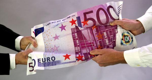 Парламент Кипра проголосует за отмену крупных наличных сделок