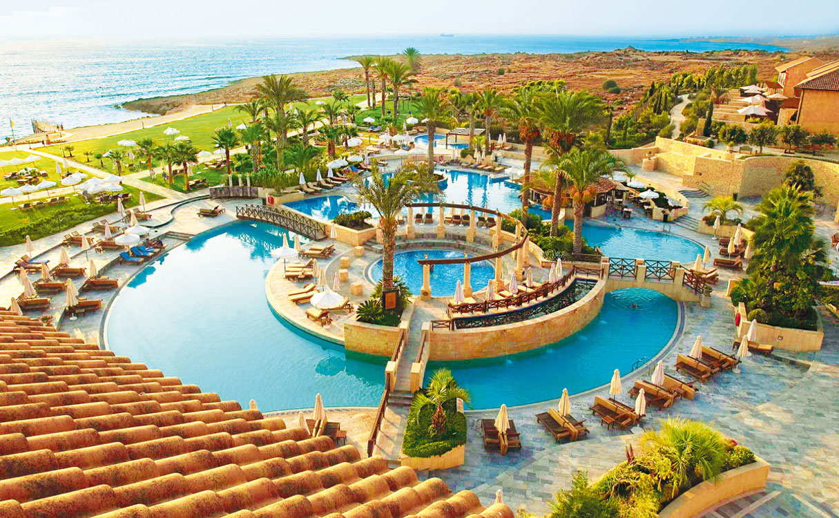 10 отелей откроются в июне в Пафосе