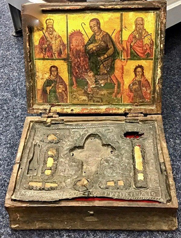 Похищенные мощи девяти святых вернули на Кипр из Германии