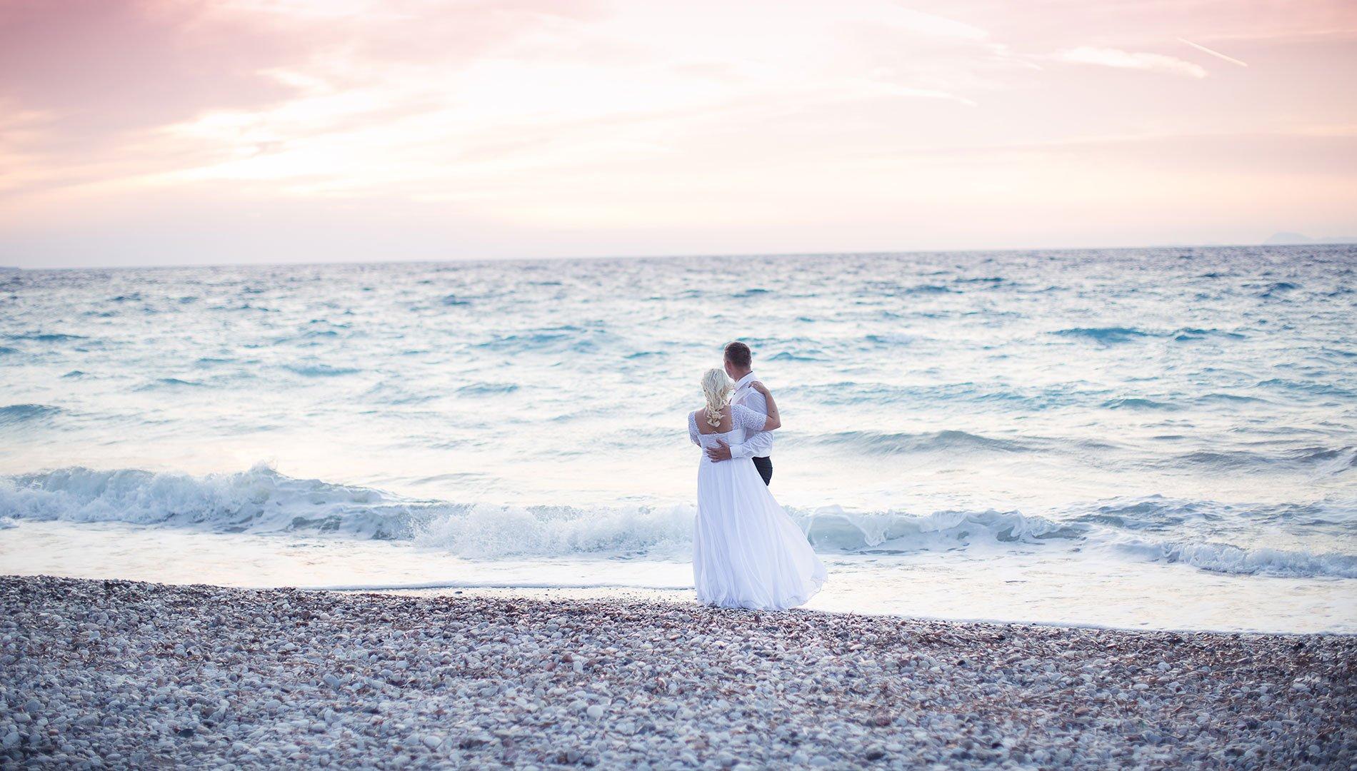 На Кипре самое большое количество браков в ЕС