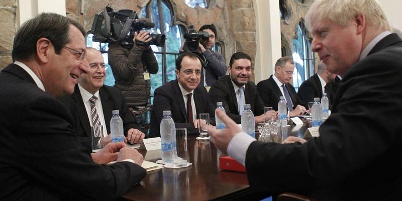 Президент Кипра и премьер Великобритании обсудили животрепещущие вопросы