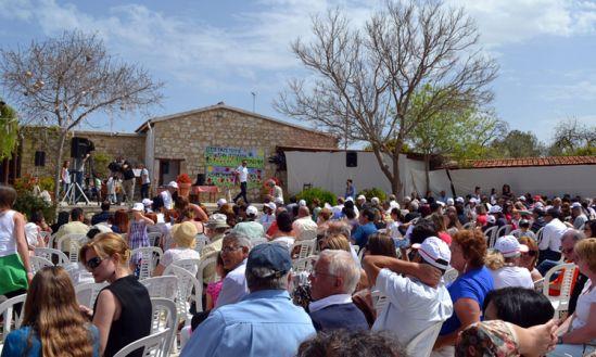 Фестиваль тюльпанов в Полеми