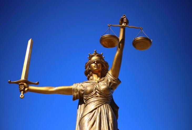 17 кипрских юристов призвали проверить Covid-ограничения на предмет соблюдения прав человека