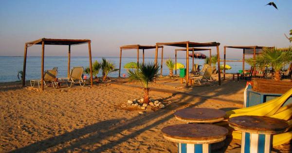 Пляж в Героскипу запьет и запляшет