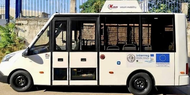 На Кипре начал работу бесплатный электрический автобус