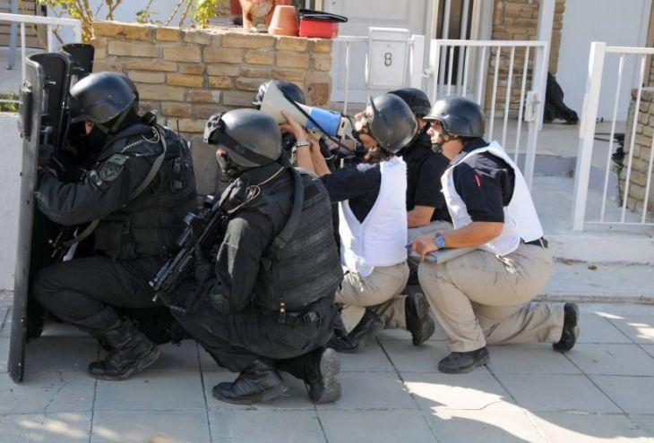В Пафосе идут учения полиции