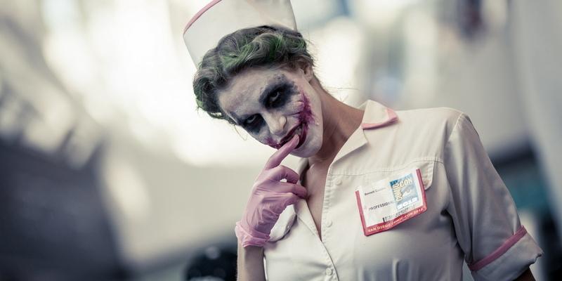 COVID-суперстар! Самым популярным костюмом на Хеллоуин на Кипре стал коронавирус