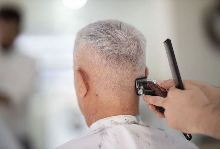 Ассоциация парикмахеров Кипра возмущена: прически некоторых политиков безукоризненны!