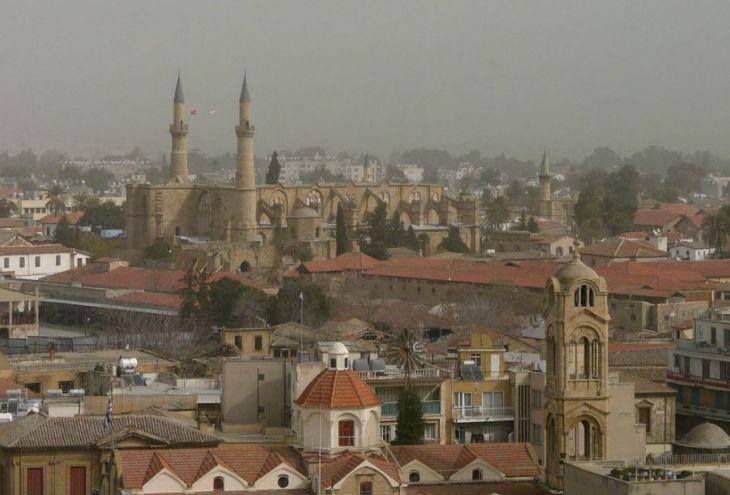 Кипр ждут самая мощная с начала 2020 года пылевая буря и +30 градусов