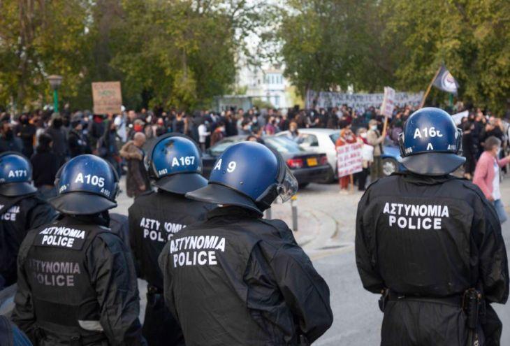 Полицейских, жестко разогнавших акцию протеста в столице Кипра, рекомендовано привлечь к ответственности