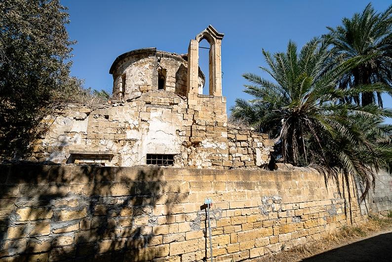 Обрушилась колокольня храма св. Иакова - Вестник Кипра