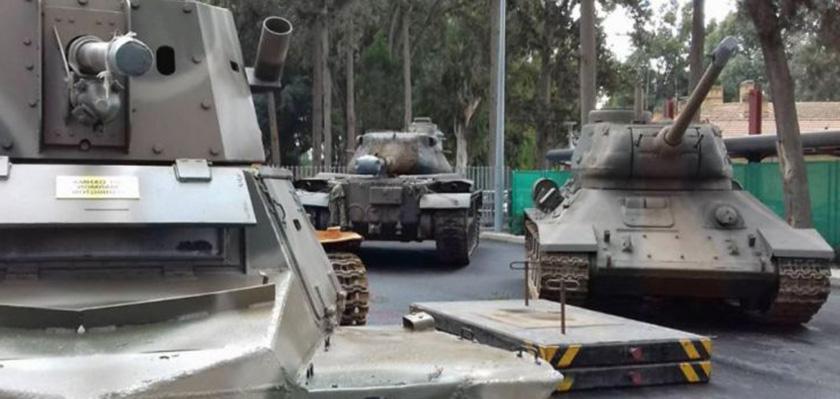 В столицу Кипра привезли танки | CypLIVE