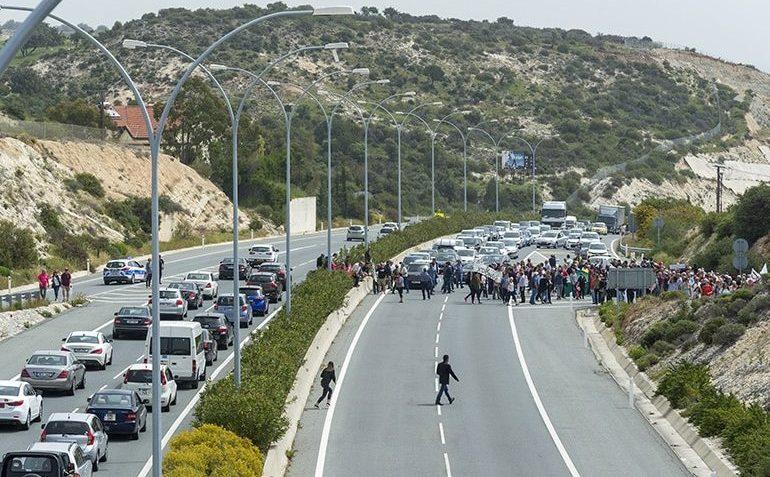 Жителям разрушающихся домов в Писсури некуда идти - Вестник Кипра