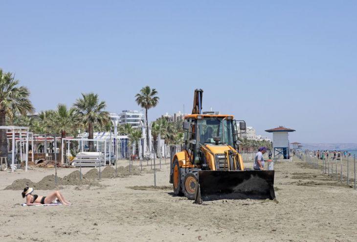 23 мая на Кипре разрешат загорать на пляжах