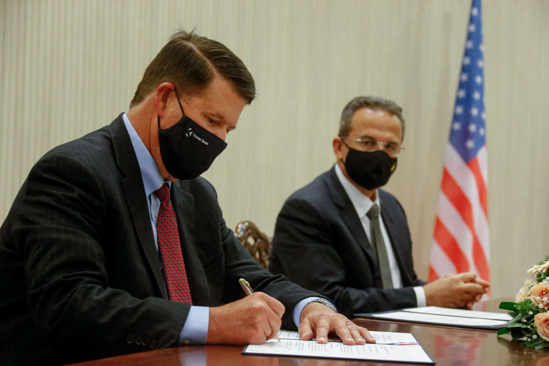 Кипр и США подписали меморандум по безопасности 5G