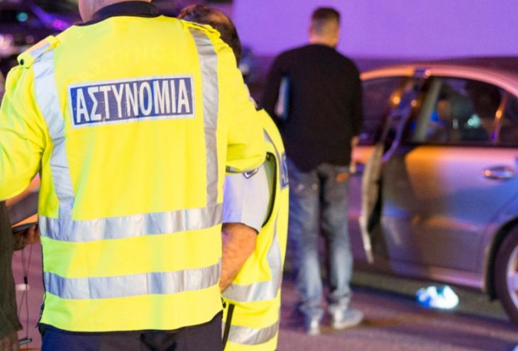 Полицейский из Пафоса превратил гараж с конфискатом в шоу-рум