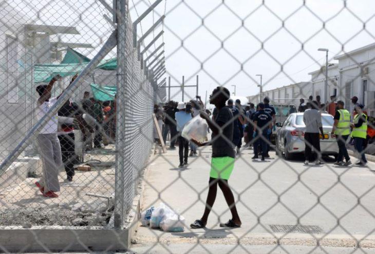 В Коккинотримифье подрались около 600 беженцев