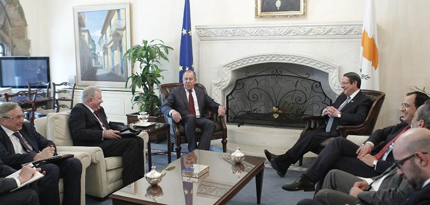 Лавров проводит переговоры с президентом Кипра в Никосии | CypLIVE