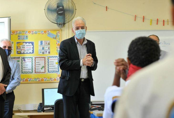Каждый пятый окончивший школу киприот слабо владеет греческим языком