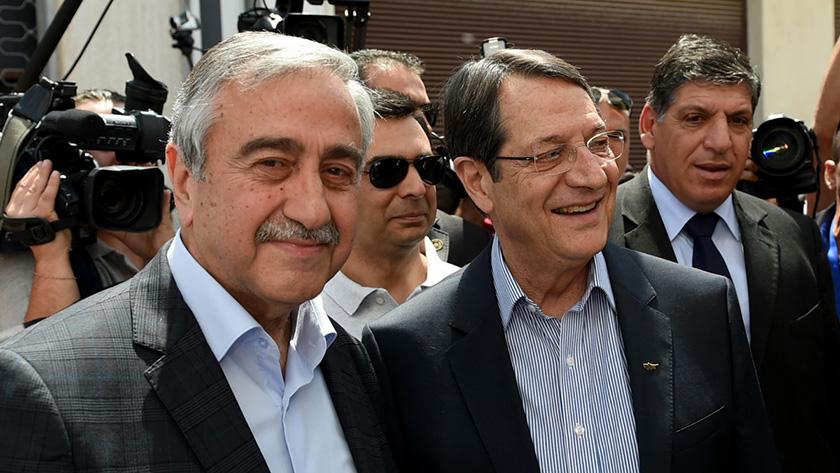 Лидеры греческой и турецкой общин Кипра встретятся за неформальным ужином | CypLIVE