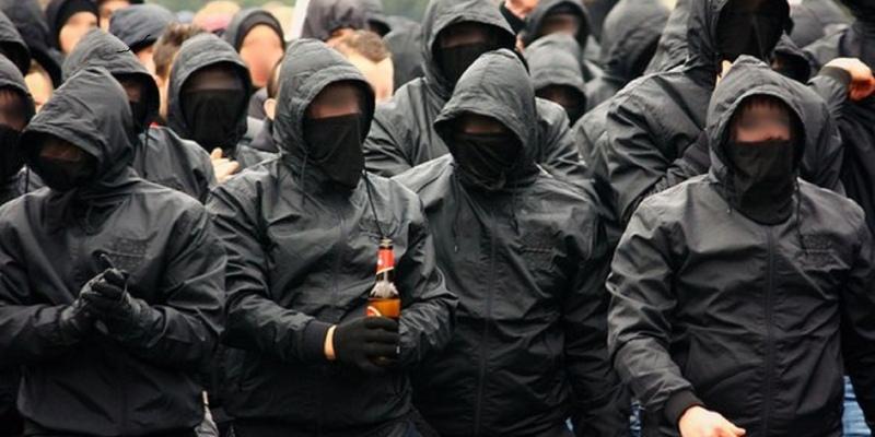 Хулиганы жестоко избивают прохожих в центре Лимассола