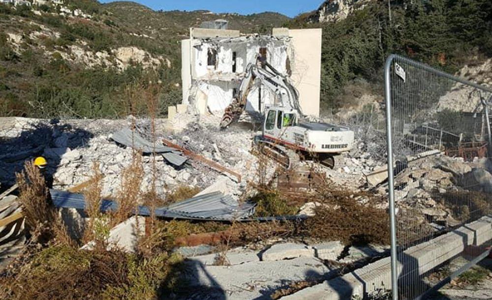 Жители Талы добились сноса опасного здания - Вестник Кипра