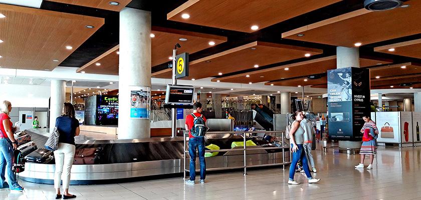 В аэропорту Ларнаки не работает информационное табло | CypLIVE