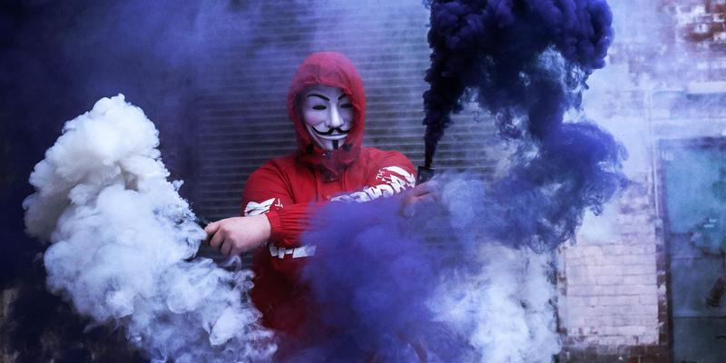 Новый учебный год на Кипре начался с традиционного дымового шоу