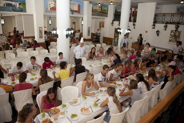 Кипрским школьникам обеспечат бесплатные завтрак