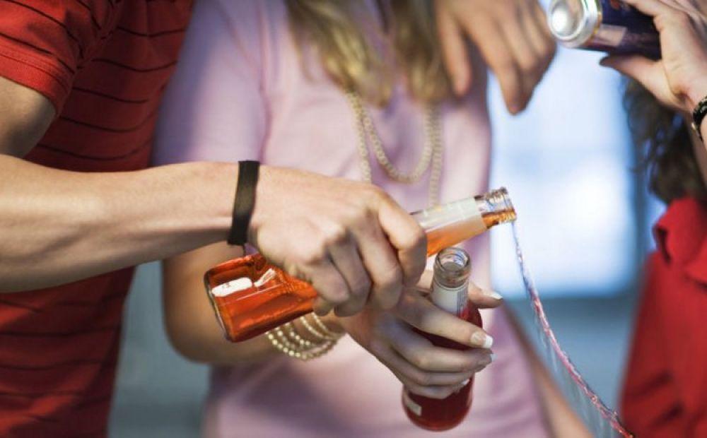 Кипрские подростки и алкоголь - Вестник Кипра