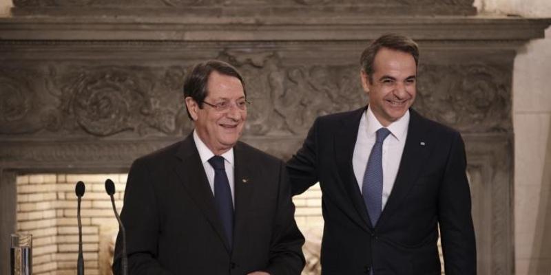 Президент Кипра получит в Афинах золотую медаль