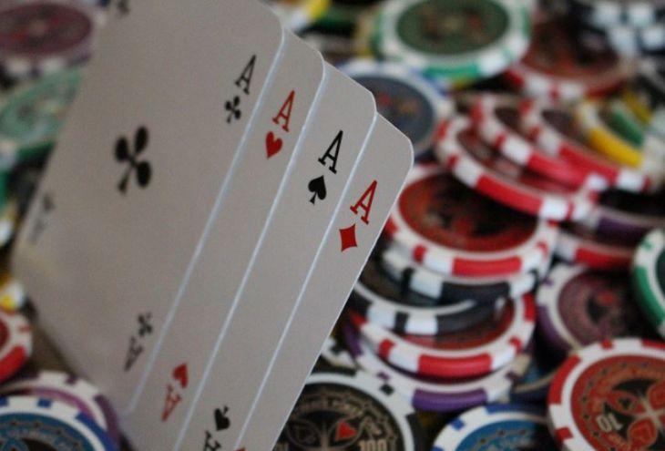 В нелегальном казино в Трахони задержаны 33 человека