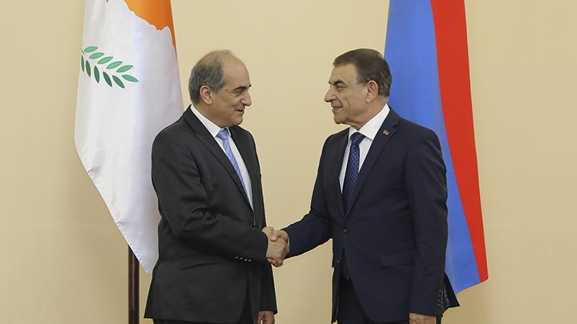 Кипр, Греция и Армения движутся к трехстороннему парламентскому сотрудничеству | CypLIVE