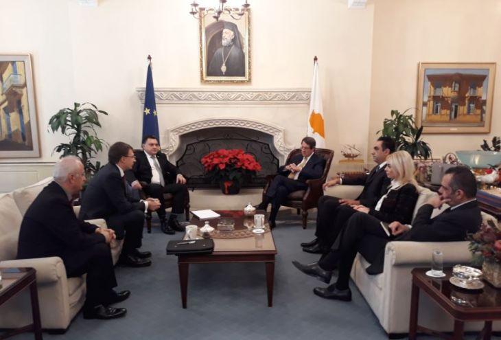 Президент Кипра встретился с лидерами «русской» партии