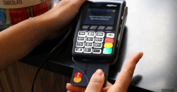 Банк Кипра выдаст клиентам карты со сканером отпечатка пальца