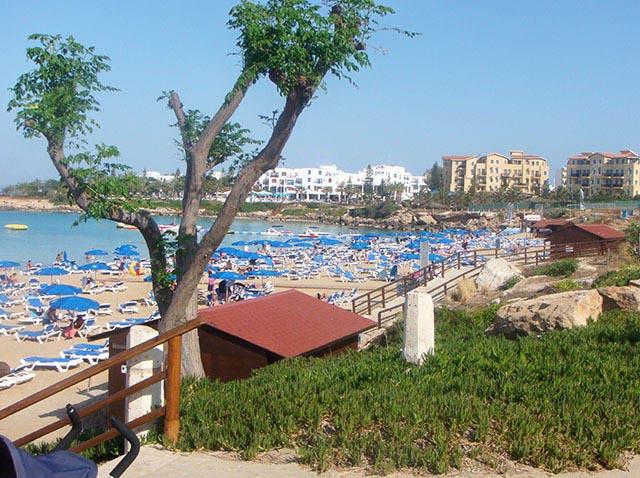 Неожиданные гости: президент Кипра принял ливанского экс-премьера