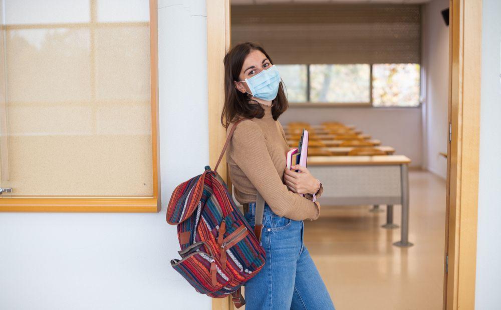Выпускники, больные COVID-19, сдадут экзамены отдельно от остальных - Вестник Кипра