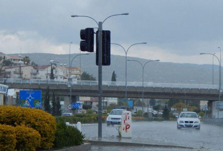 В середине июня на Кипр возвращаются дожди с грозами и градом