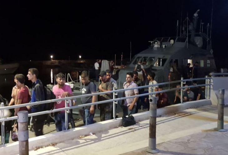 На Кипр приплыли новые беженцы: 55 мужчин и одна женщина
